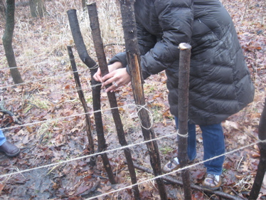Loom tying off string