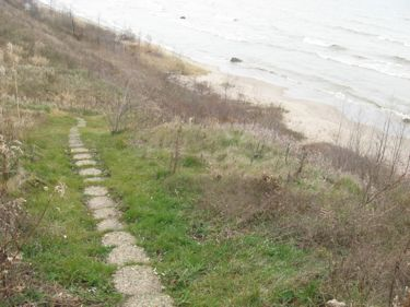 Steps to beach wi