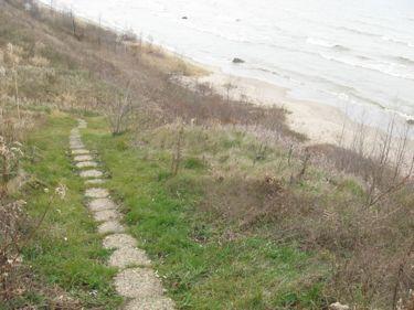 Steps to beach wi