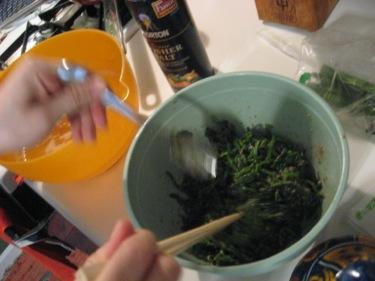Fumika making gomae