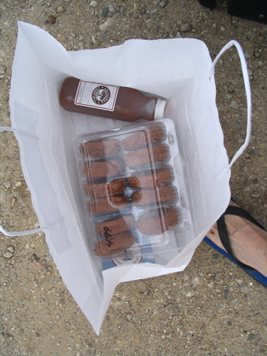 Bag_of_doughnuts_and_cider