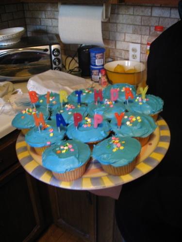 Blue_cupcakes