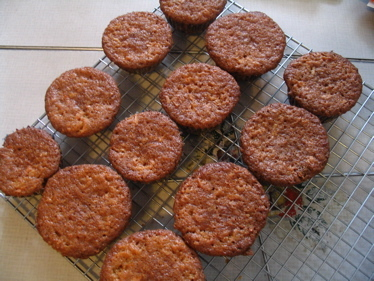 Carrot_muffins_cooling