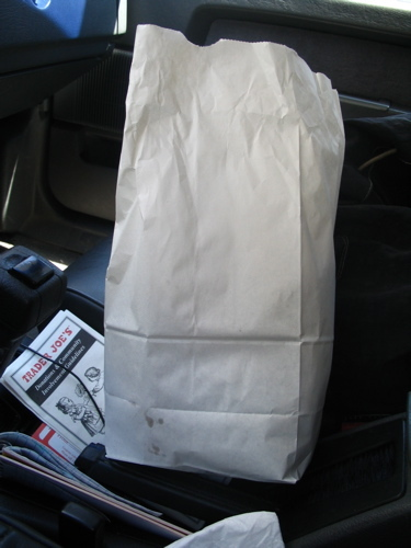 Dats_white_bag_on_seat
