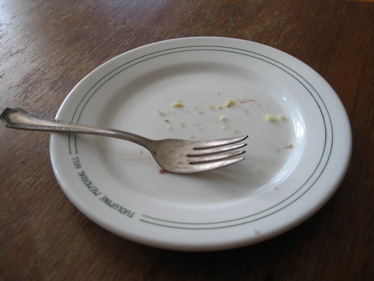 Fork_on_plate