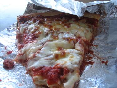 Freddys_sausage_pizza