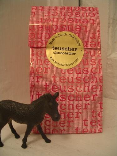 Teuscher_pink_bag_1